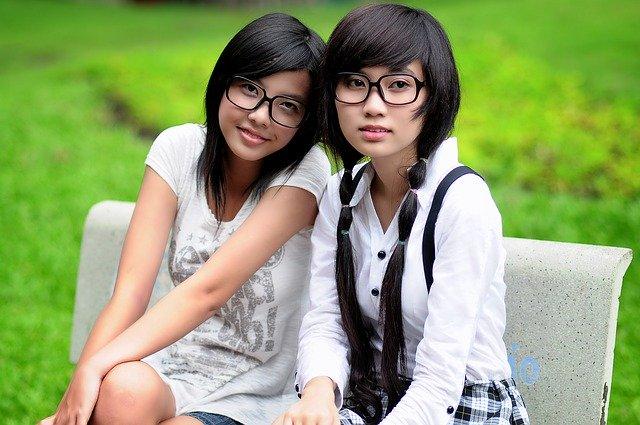 Chinese millennials online